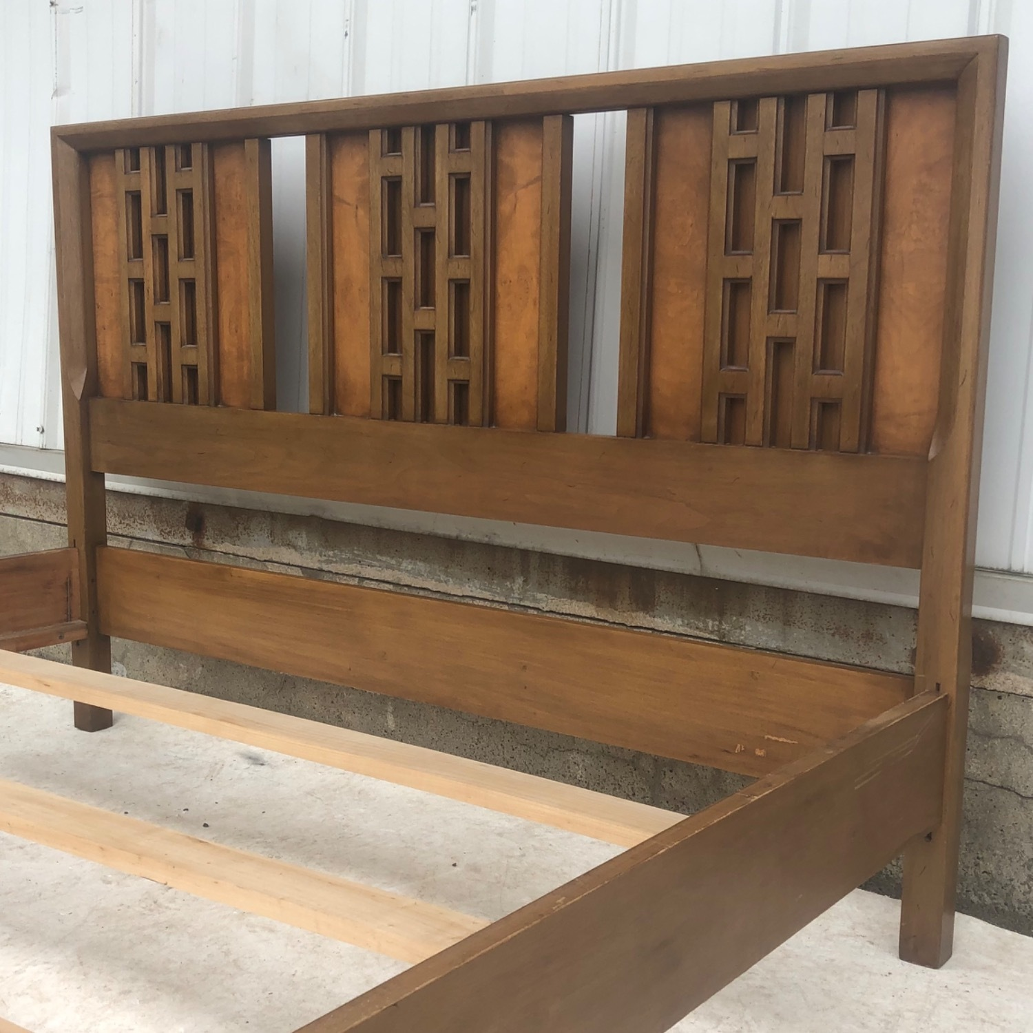 Mid-Century Modern Full Size Bed - image-10