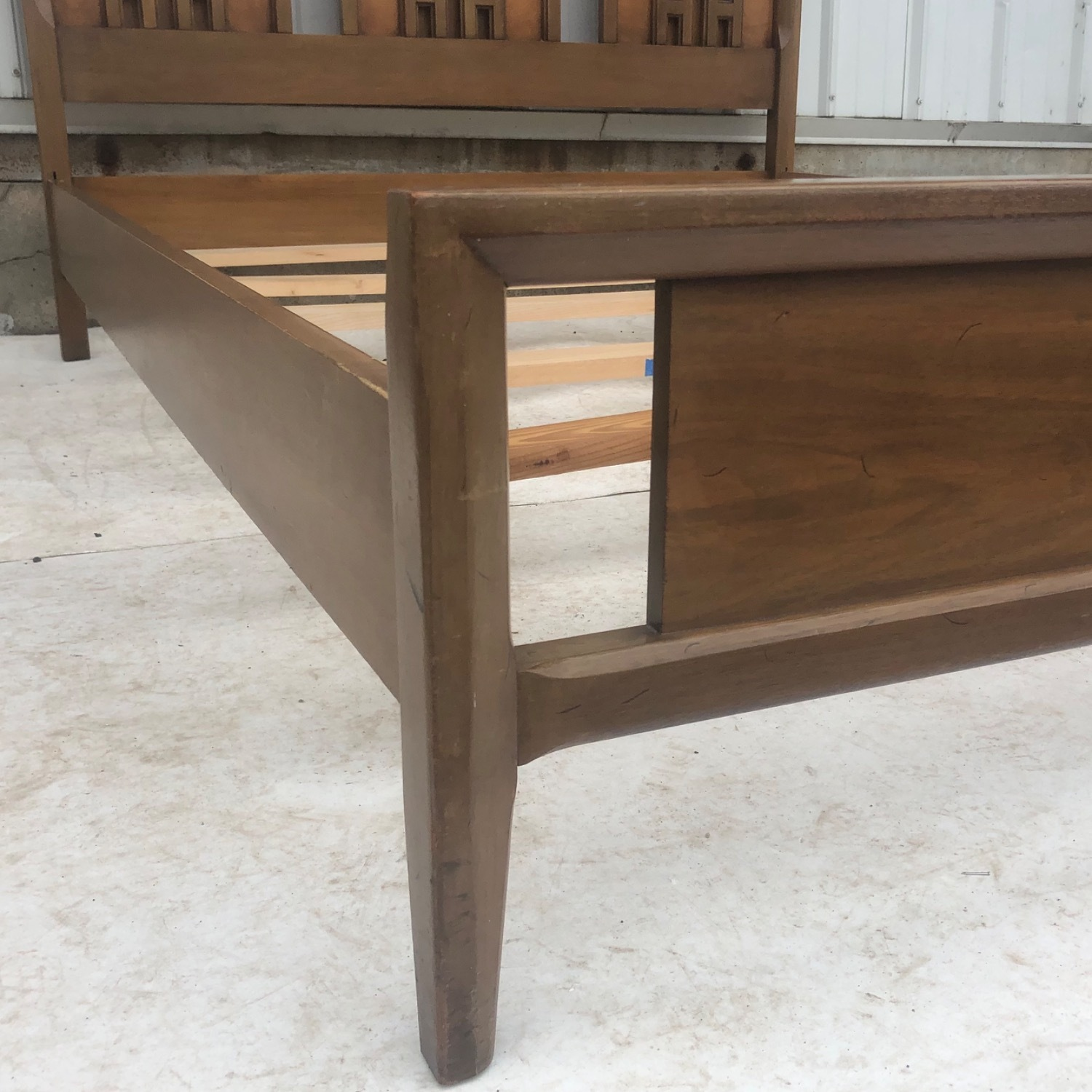 Mid-Century Modern Full Size Bed - image-6