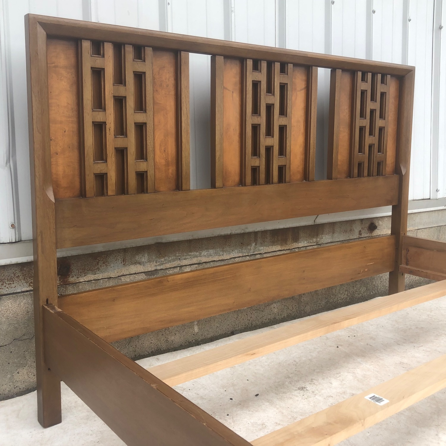 Mid-Century Modern Full Size Bed - image-4