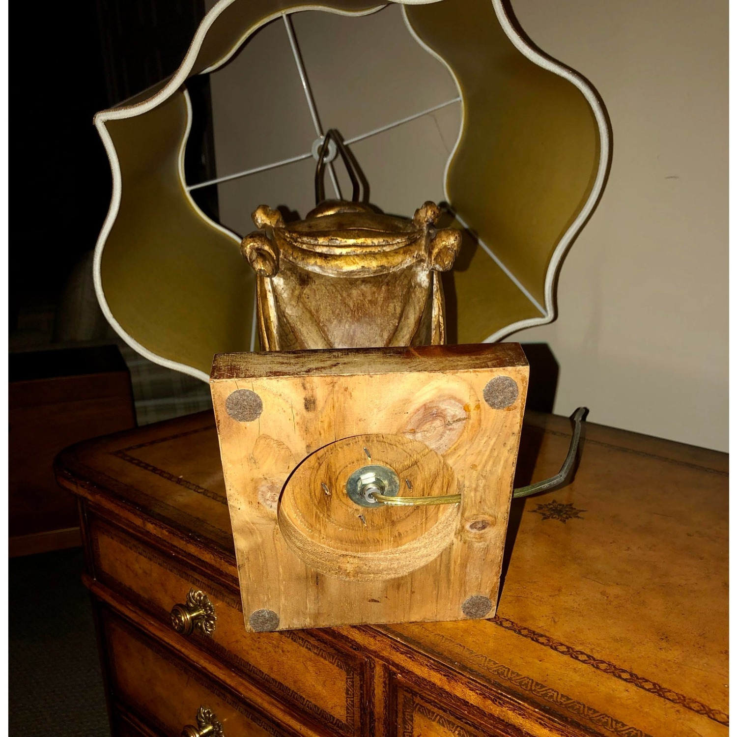 Pair of Traditional Gilt Lamps With Silk Shades - image-8