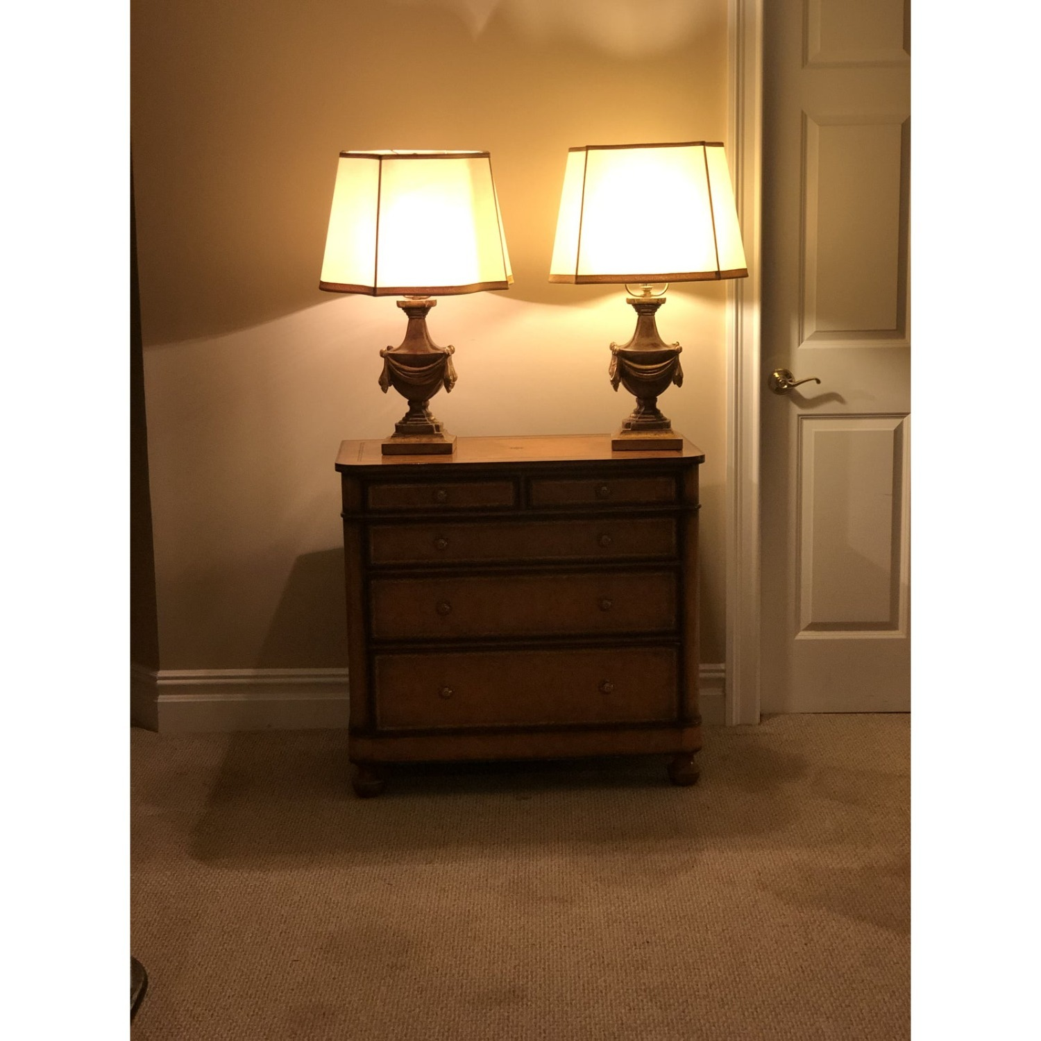 Pair of Traditional Gilt Lamps With Silk Shades - image-4