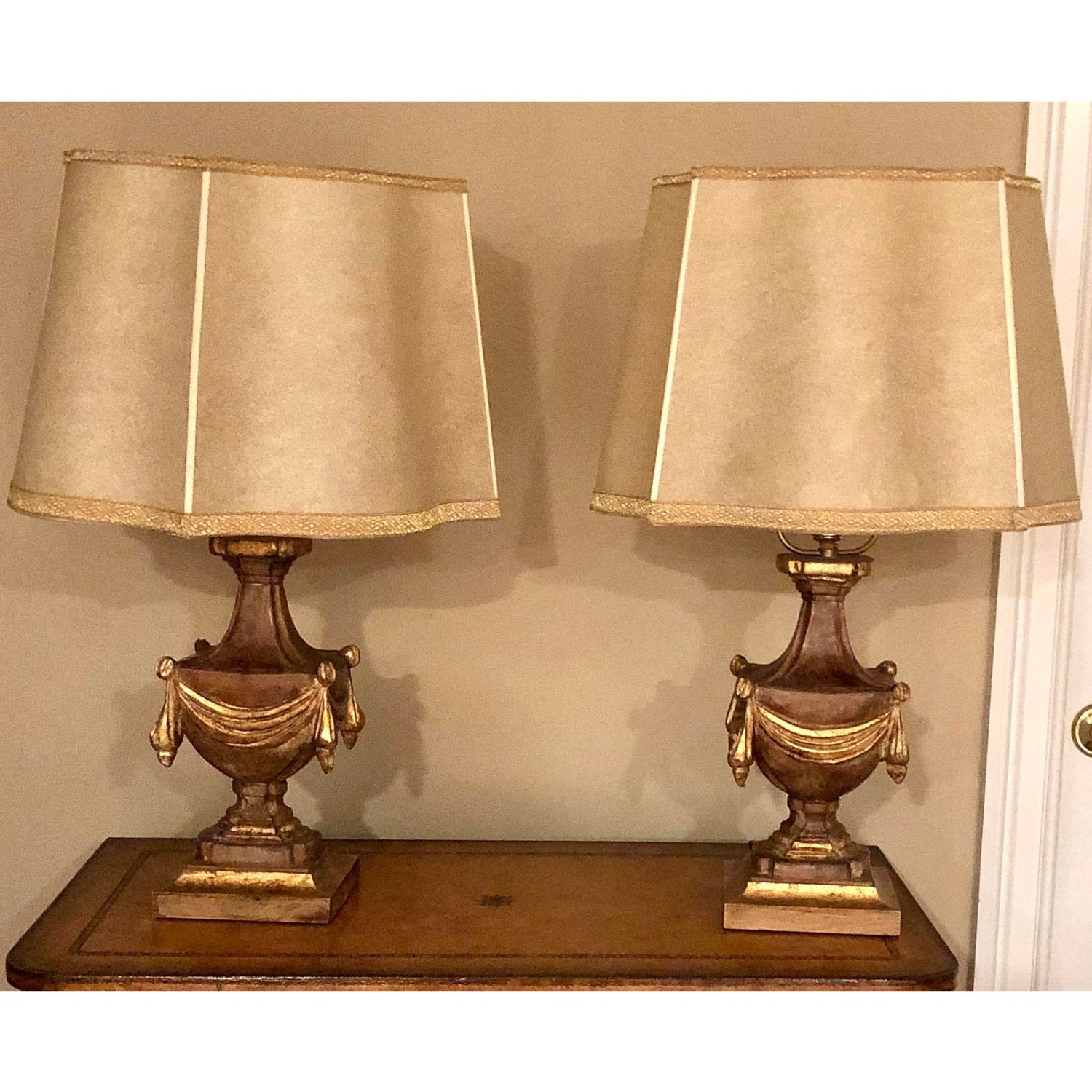 Pair of Traditional Gilt Lamps With Silk Shades - image-6