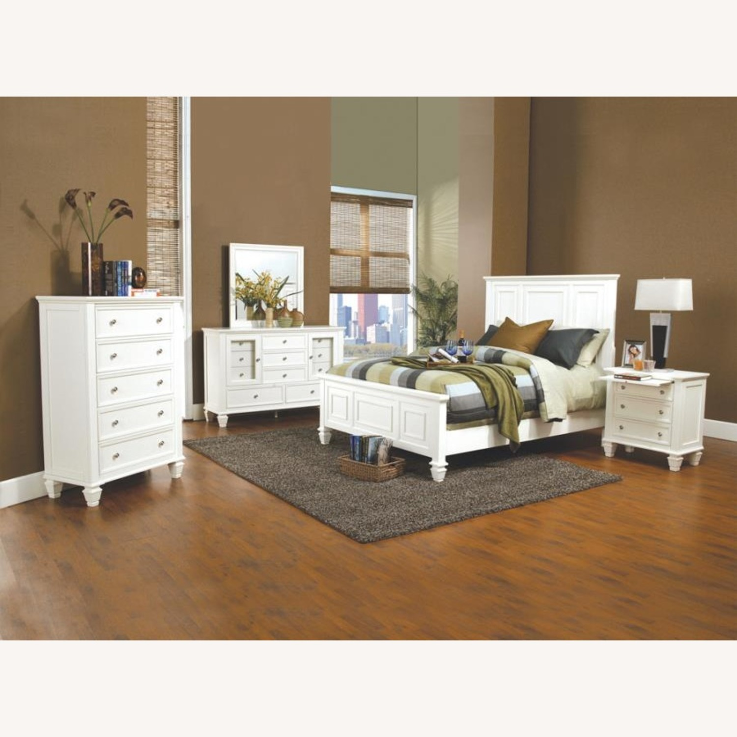 Cottage-Style Queen Bed In White Finish - image-2