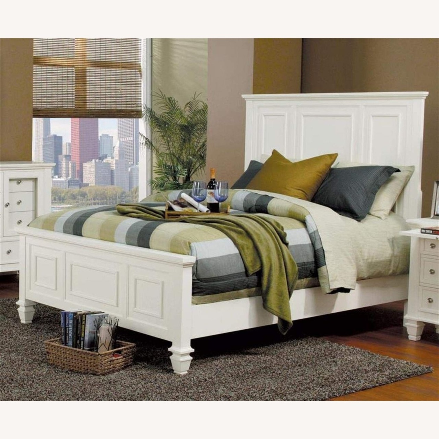 Cottage-Style Queen Bed In White Finish - image-1