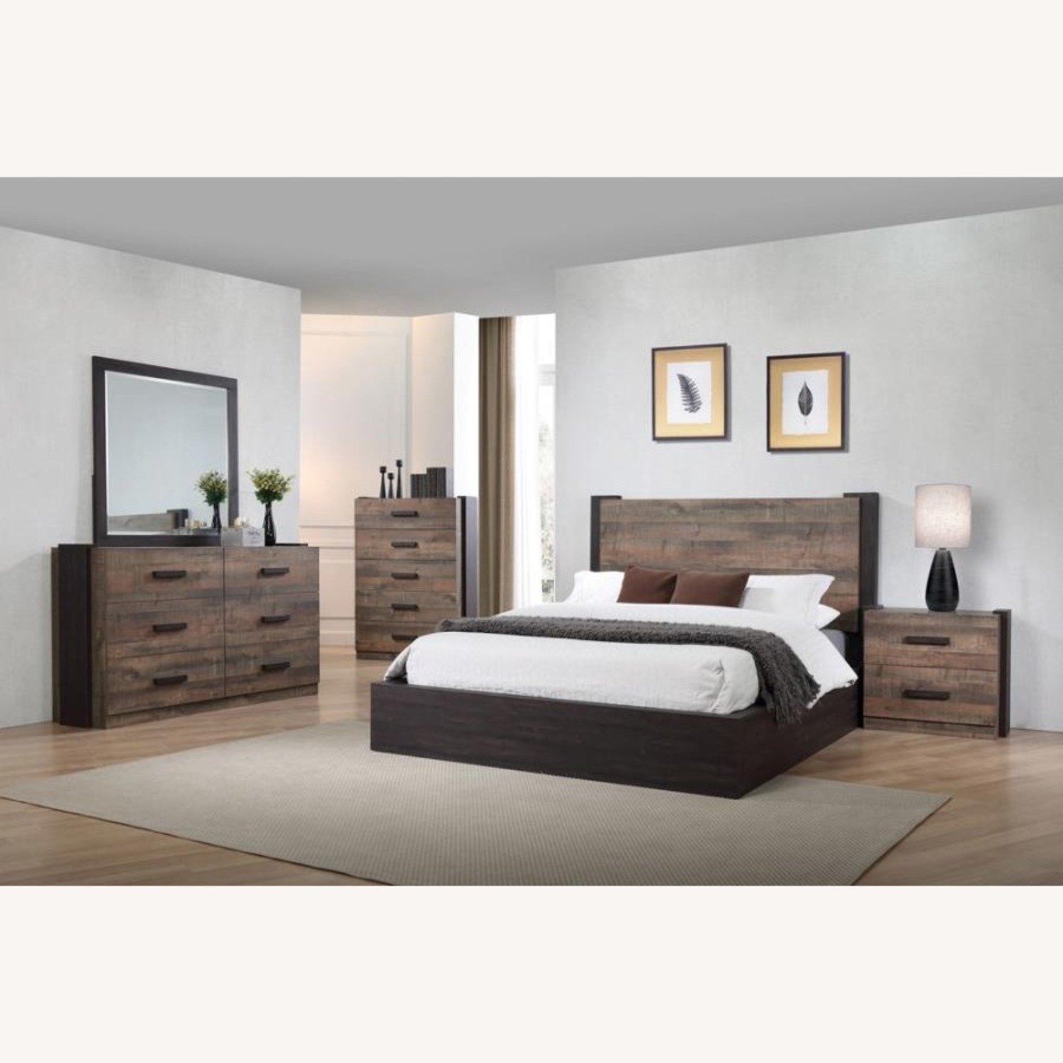 Queen Bed In Weathered Oak & Rustic Coffee Finish - image-2