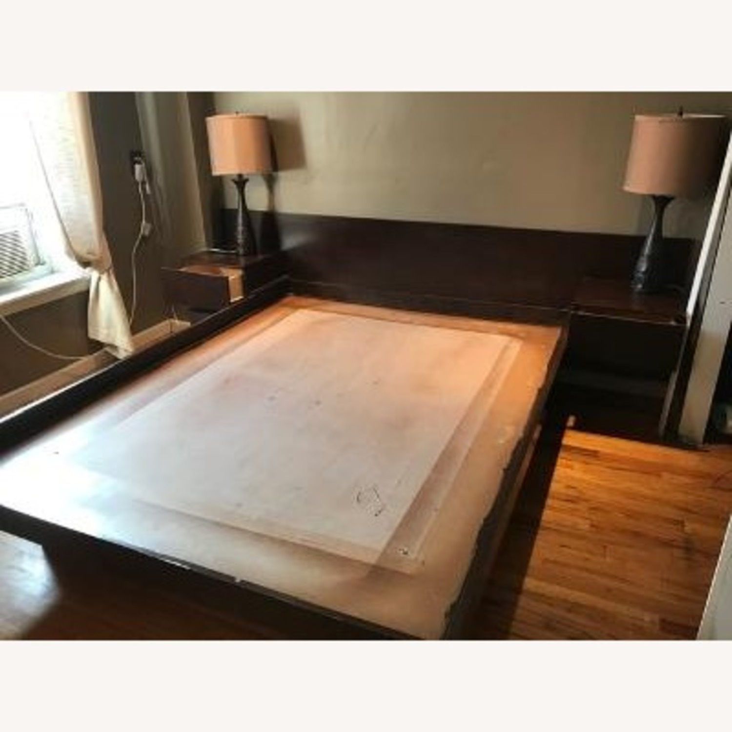 Gothic Cabinet Craft Platform Bed - image-0