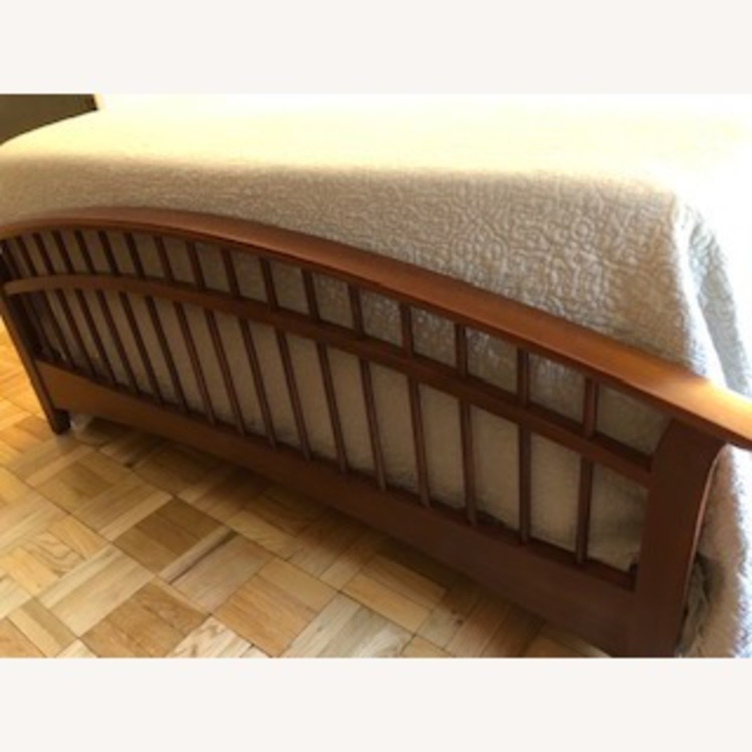 Thomasville Furniture Industries Spindle Head and Footboard - image-2