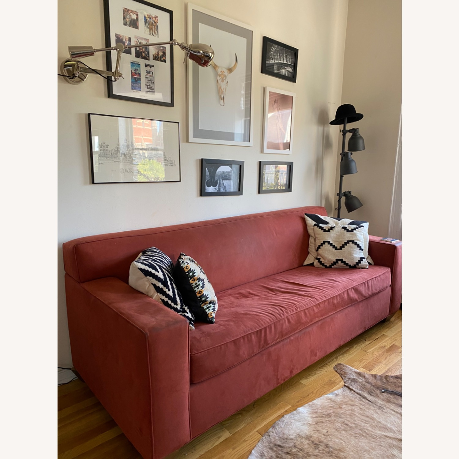 Queen Size Sleeper Couch - image-2