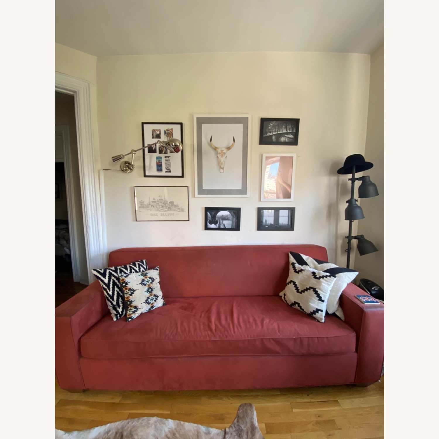 Queen Size Sleeper Couch - image-1