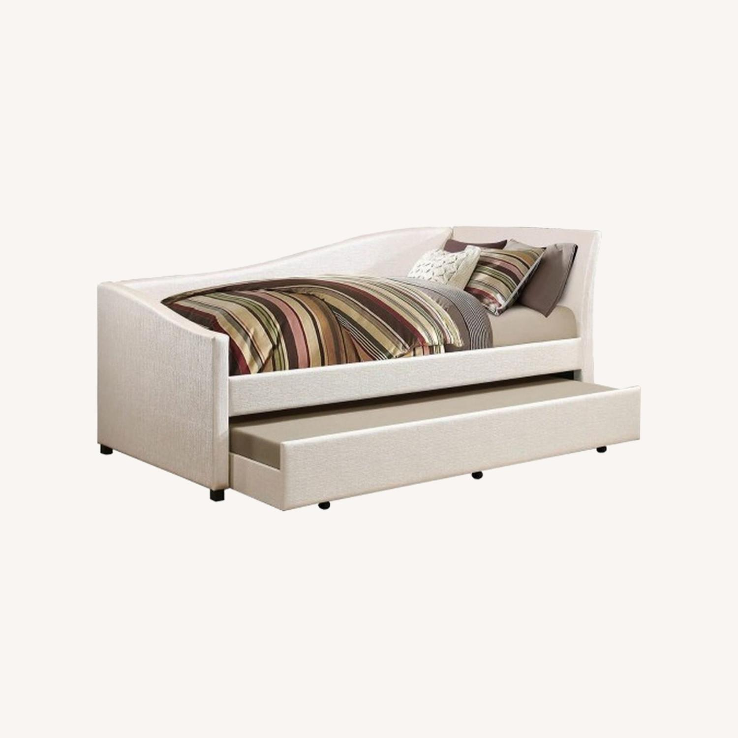 Twin Daybed In Ivory Leatherette W Trundle - image-3