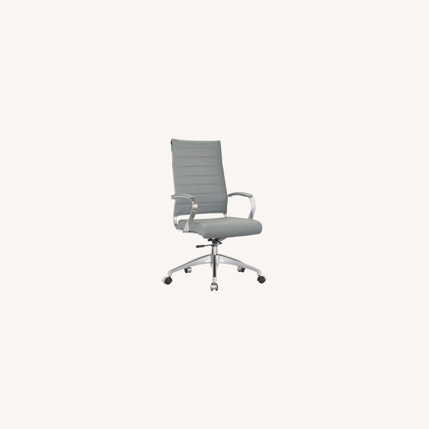 Office Chair W/ High Back Seat In Grey Leather - image-3