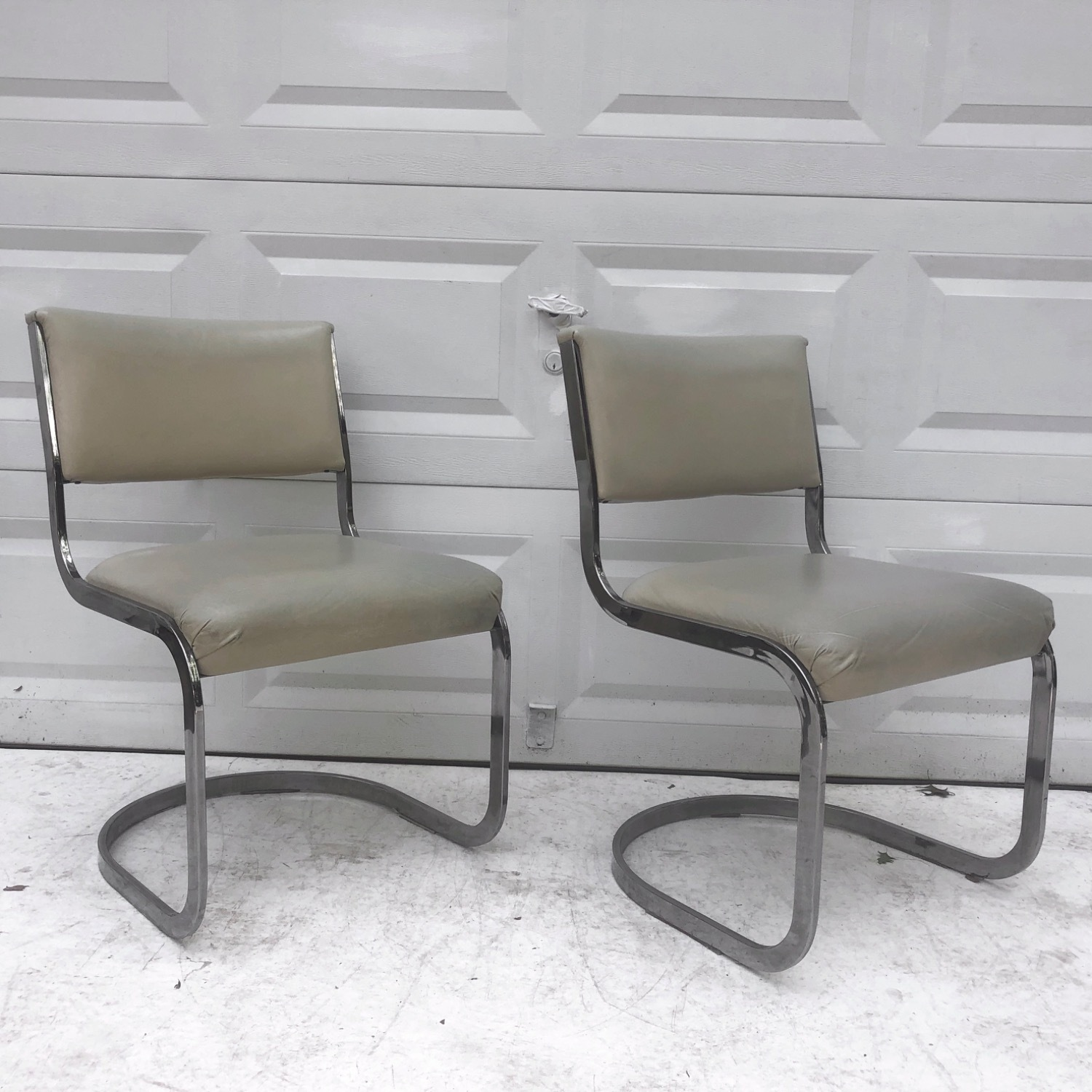 Vintage Modern Dining Chairs Set of 8 - image-6