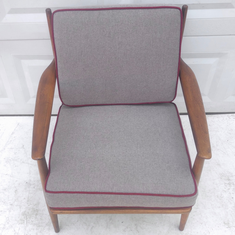 Mid Century Modern Lounge Chair - image-7