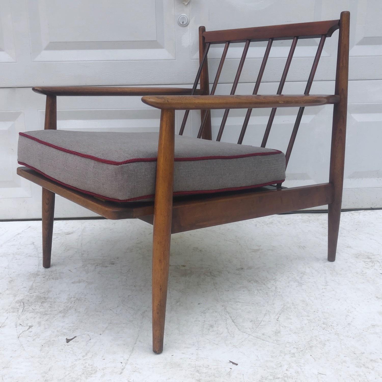 Mid Century Modern Lounge Chair - image-16