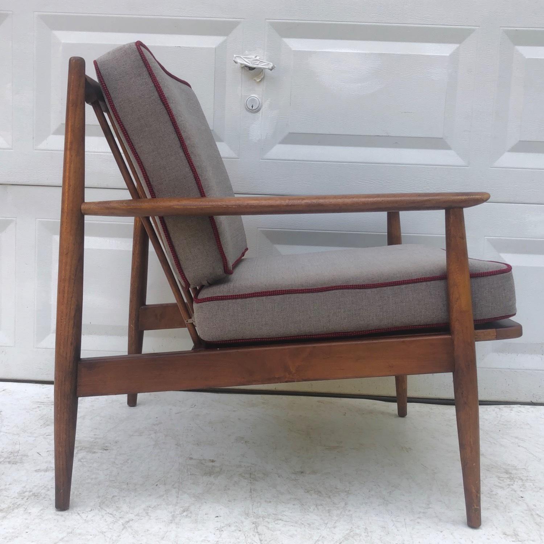 Mid Century Modern Lounge Chair - image-3