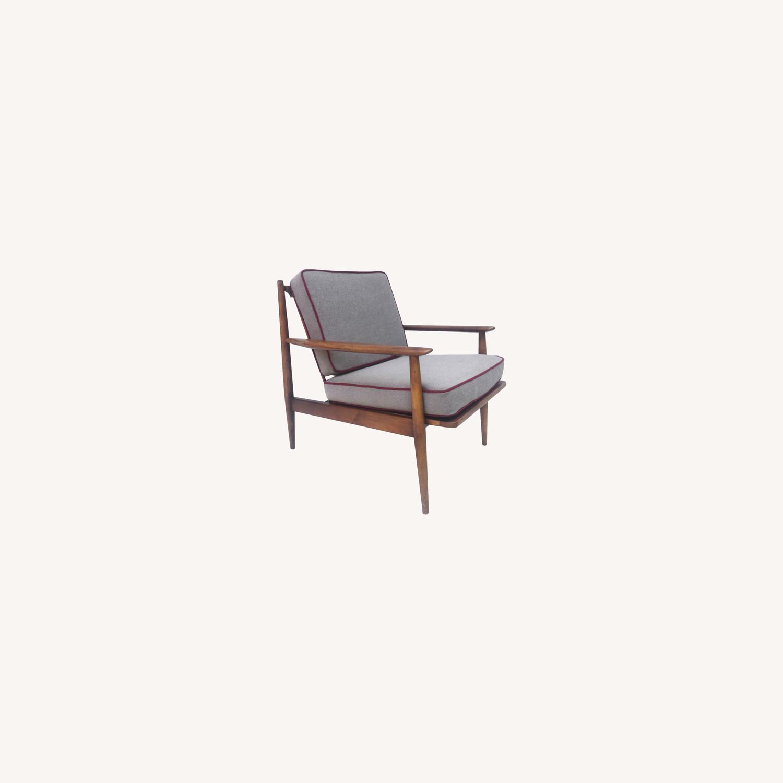 Mid Century Modern Lounge Chair - image-0