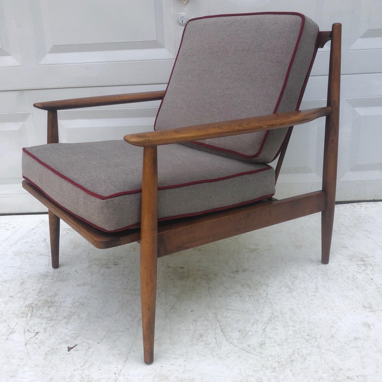 Mid Century Modern Lounge Chair - image-5