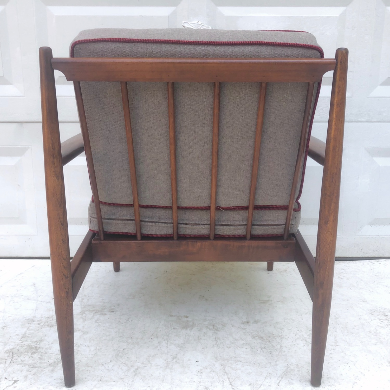 Mid Century Modern Lounge Chair - image-13