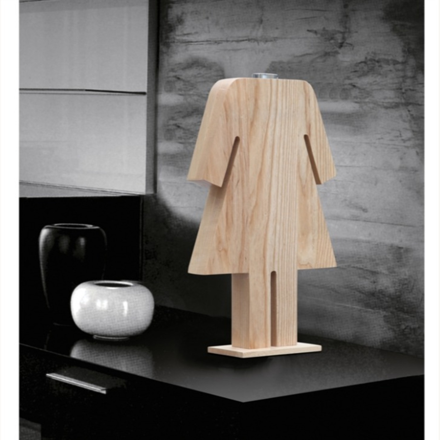 Table Lamp In Natural Wood W/ Female Person Design - image-7