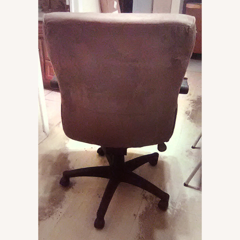 Comfortable Velour Desk Chair - image-5