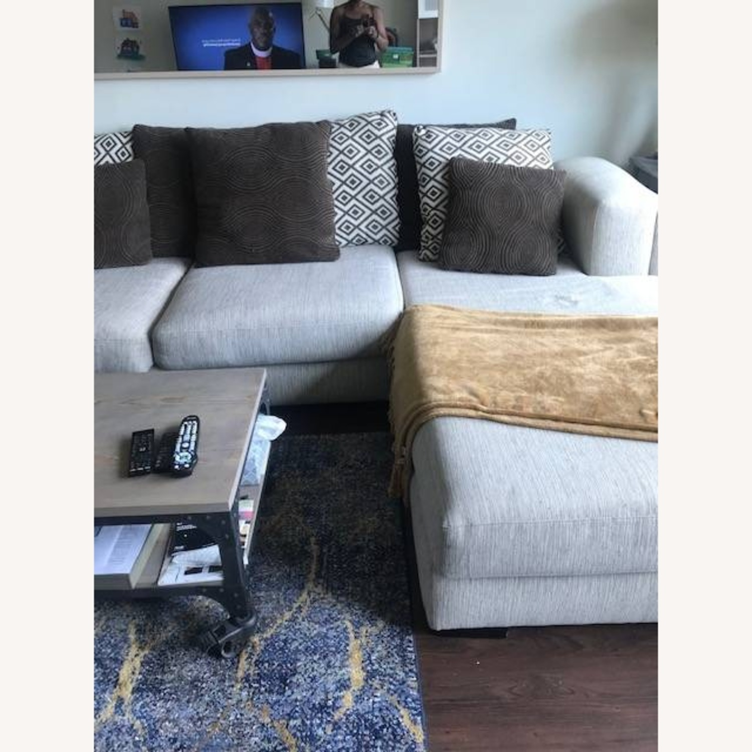 Raymour & Flanigan Urbanity 2 Piece Sectional with Chaise - image-3