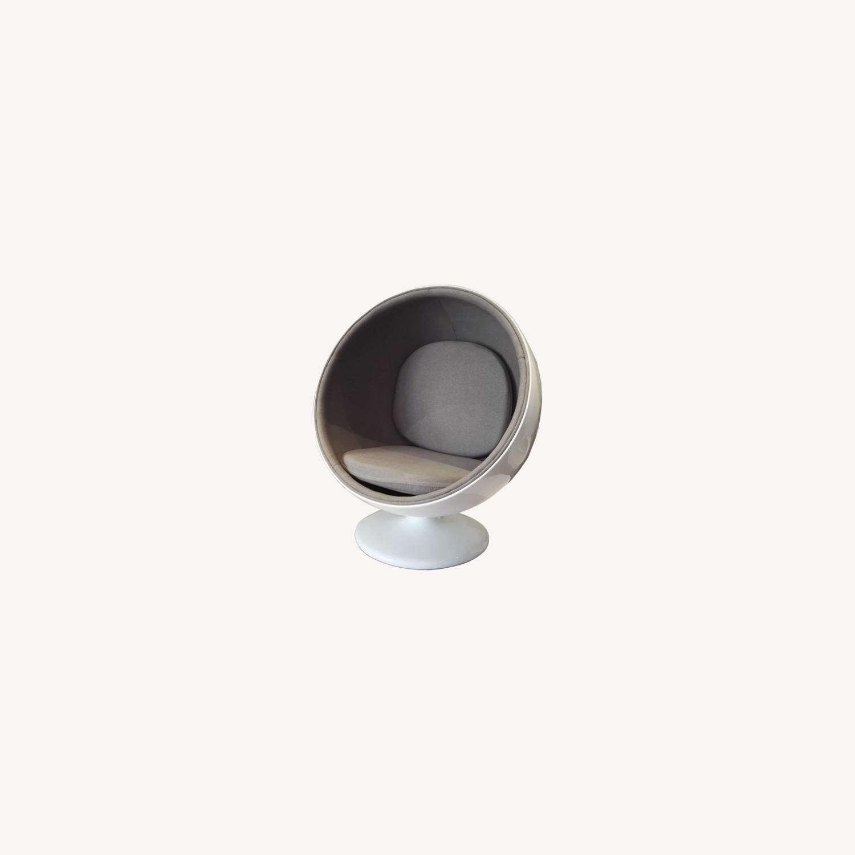 Accent Chair In White Fiberglass & Gray Cotton  - image-3