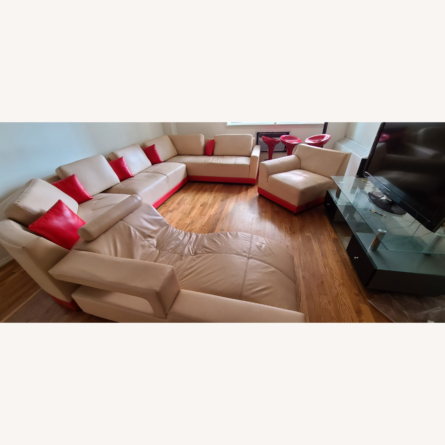 Italian leather 5 Piece Sectional - image-5