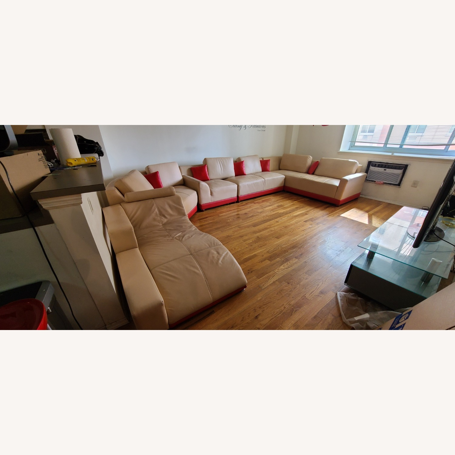 Italian leather 5 Piece Sectional - image-1