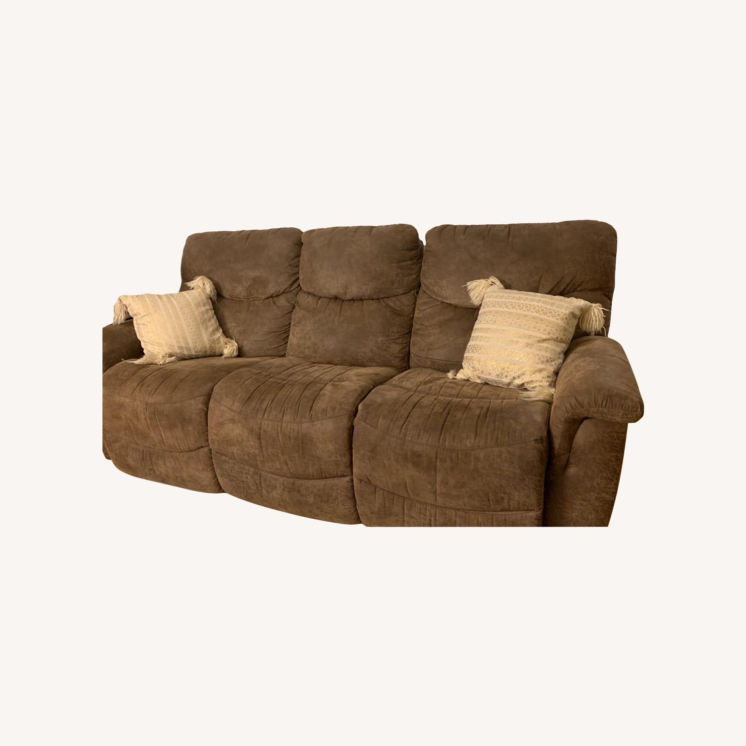 La-Z-Boy Ddual Reclining Couch - brown - image-0