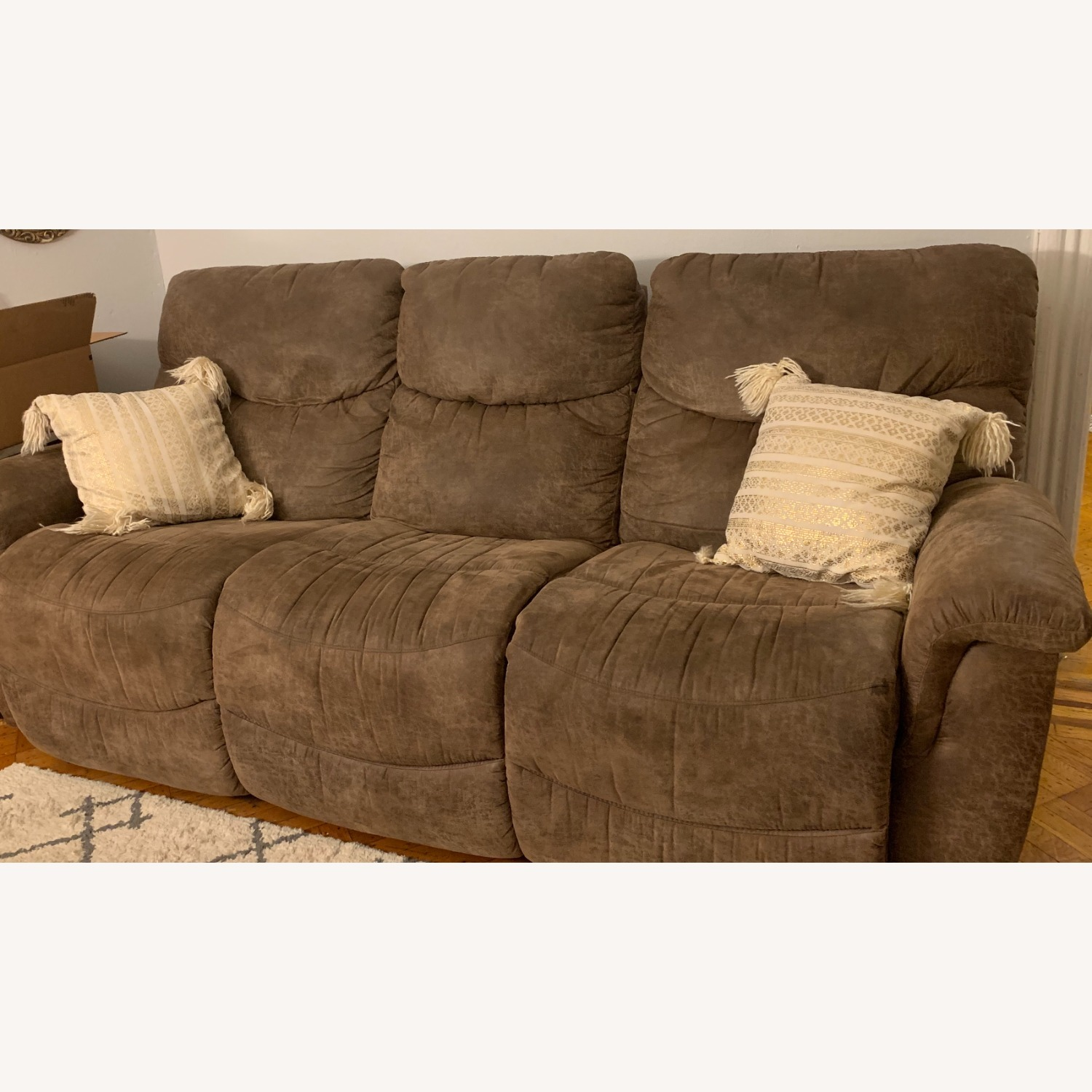 La-Z-Boy Ddual Reclining Couch - brown - image-1