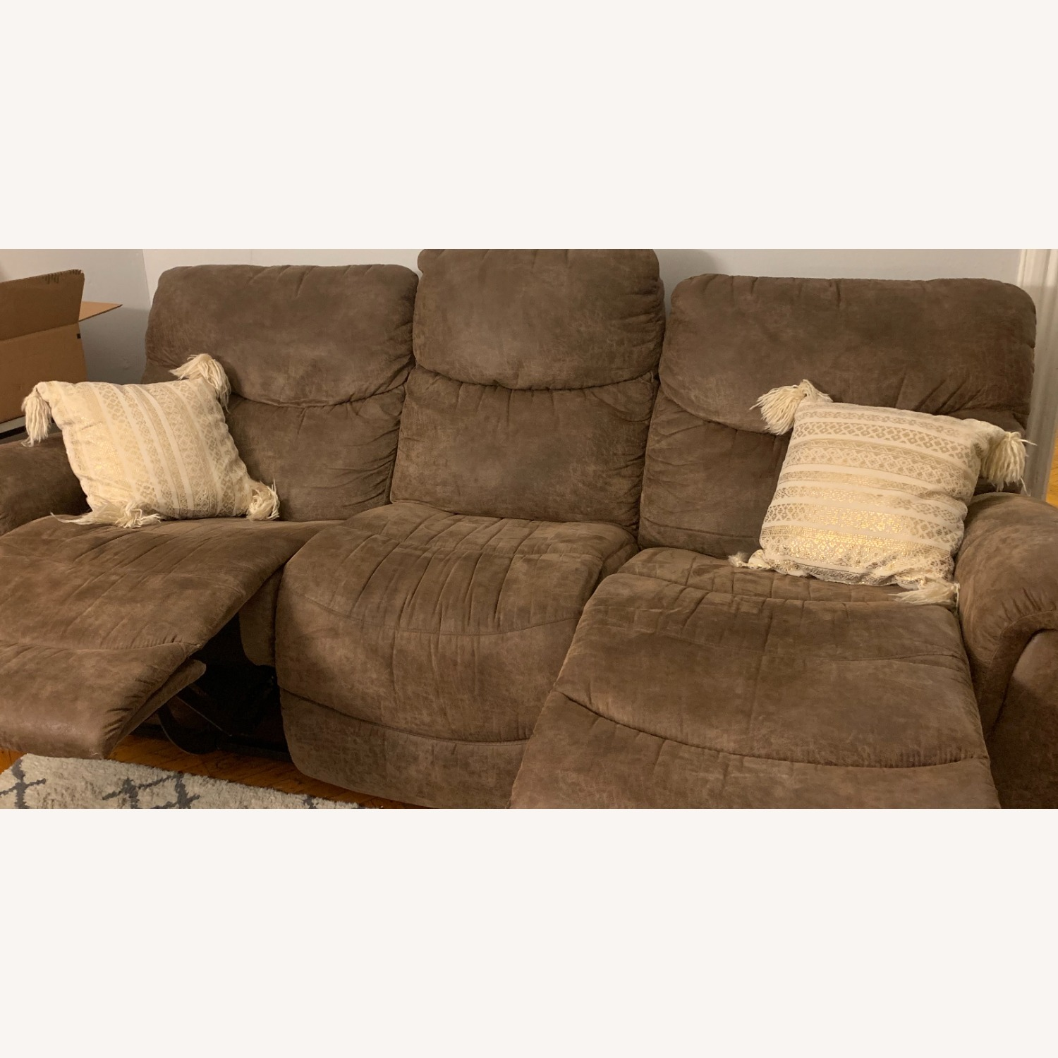 La-Z-Boy Ddual Reclining Couch - brown - image-2