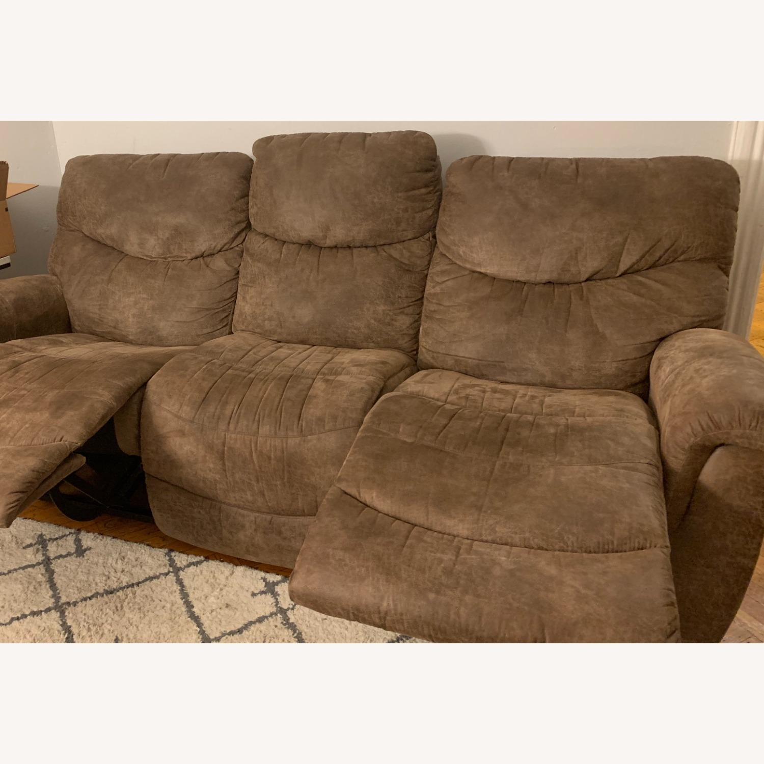 La-Z-Boy Ddual Reclining Couch - brown - image-3