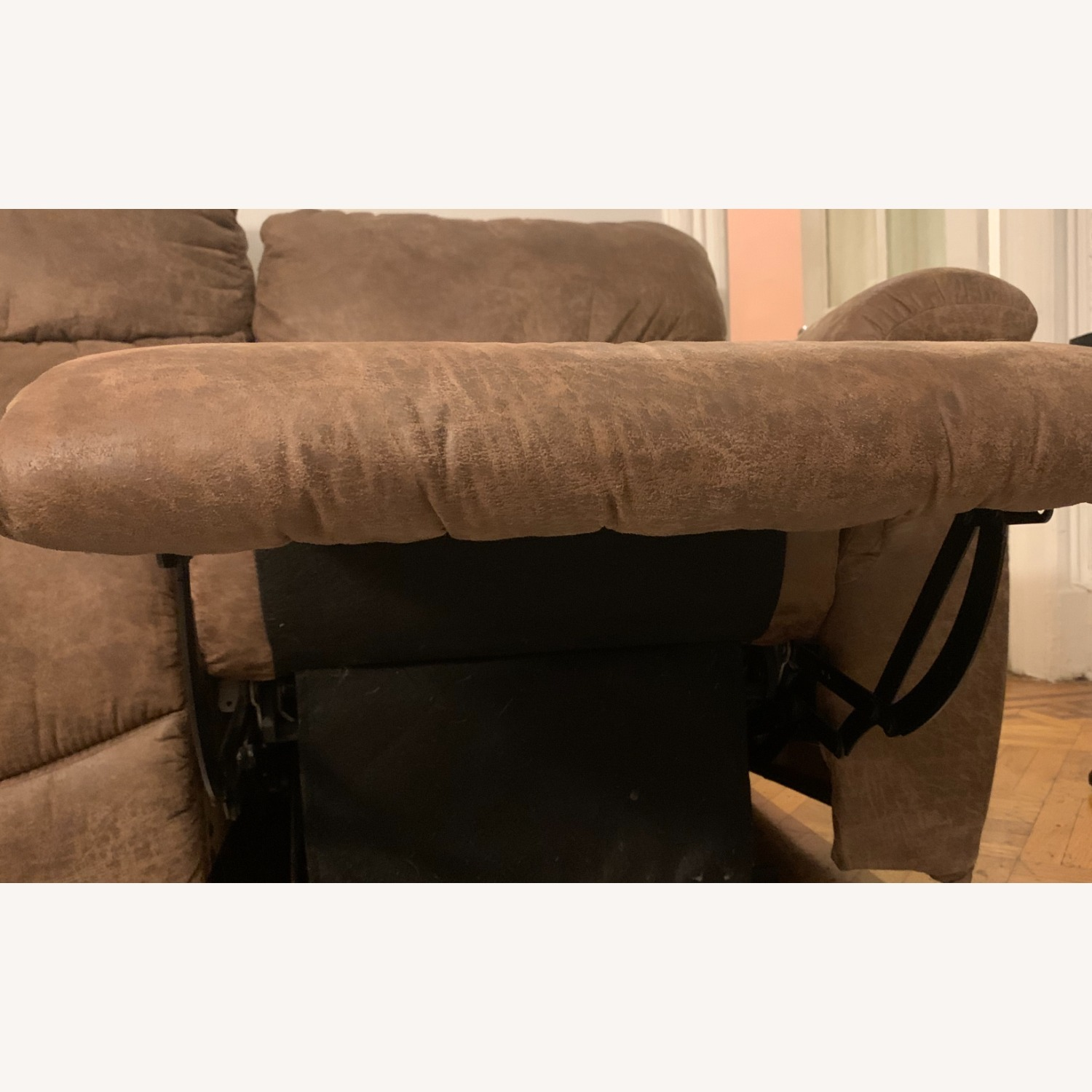 La-Z-Boy Ddual Reclining Couch - brown - image-5