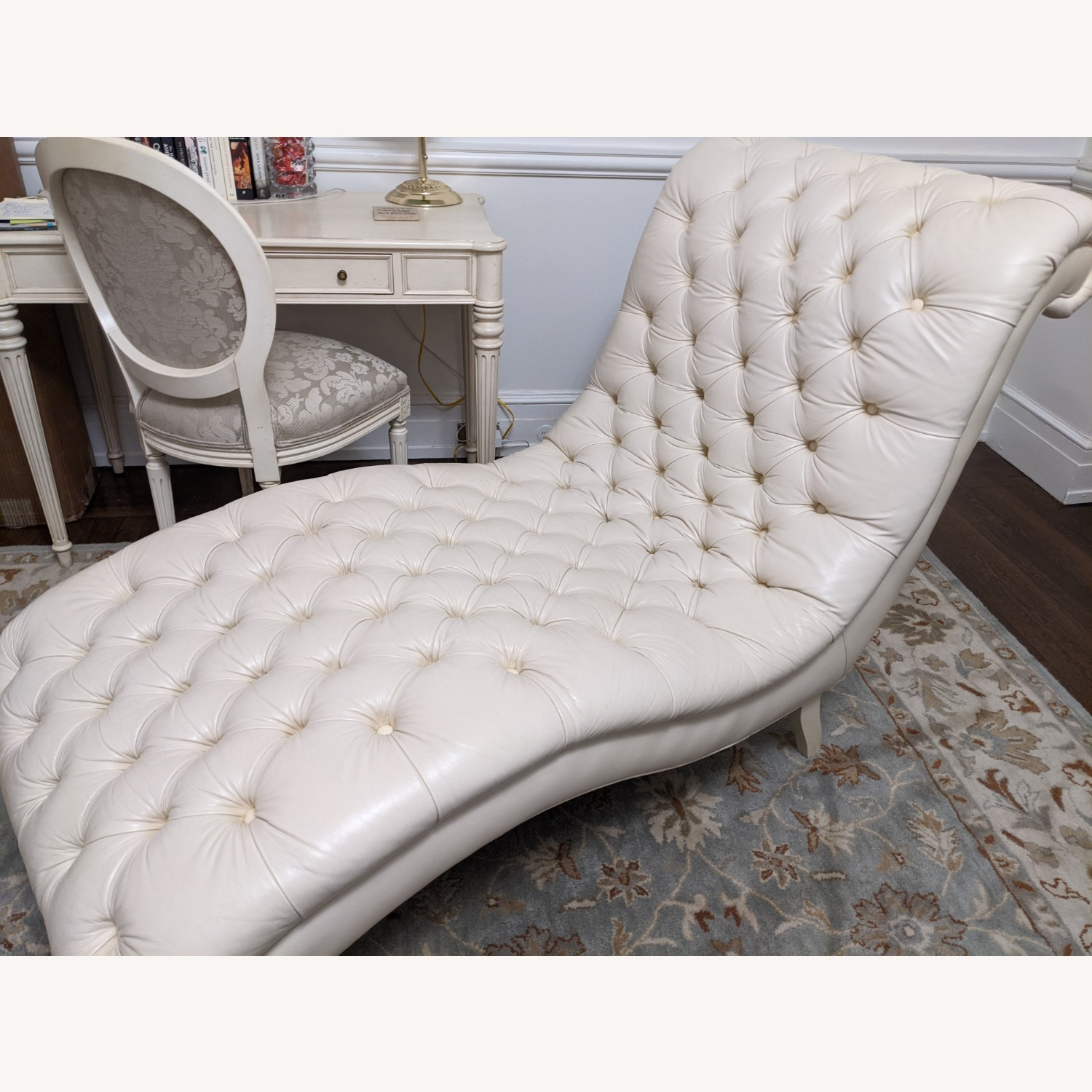 Ethan Allen Leather Chaise Long - image-8