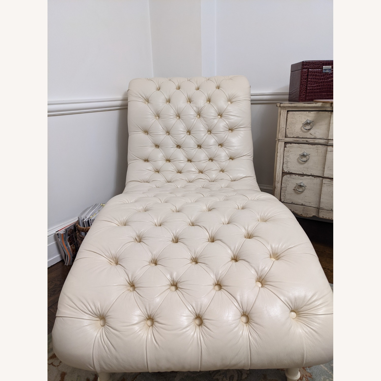 Ethan Allen Leather Chaise Long - image-1