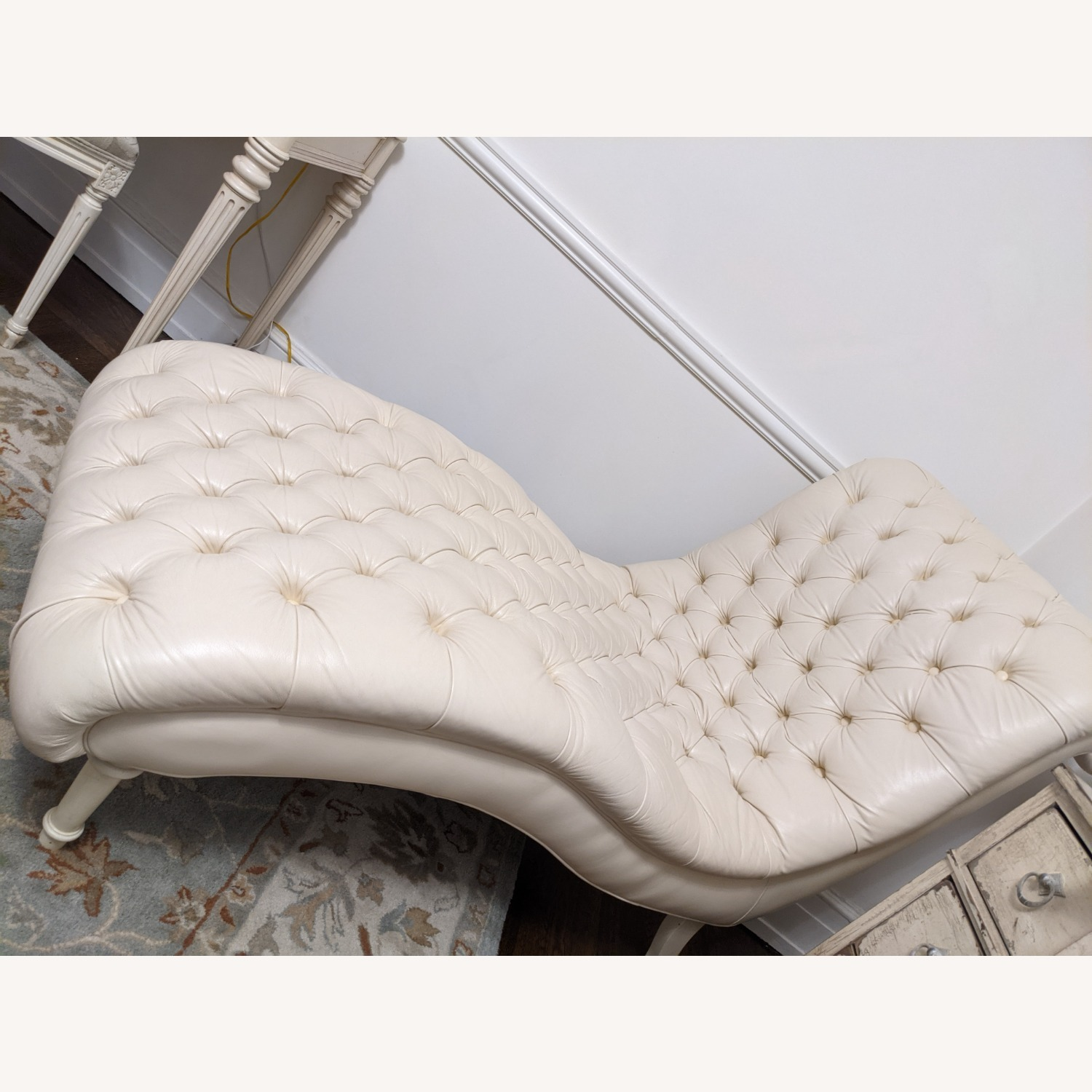 Ethan Allen Leather Chaise Long - image-3