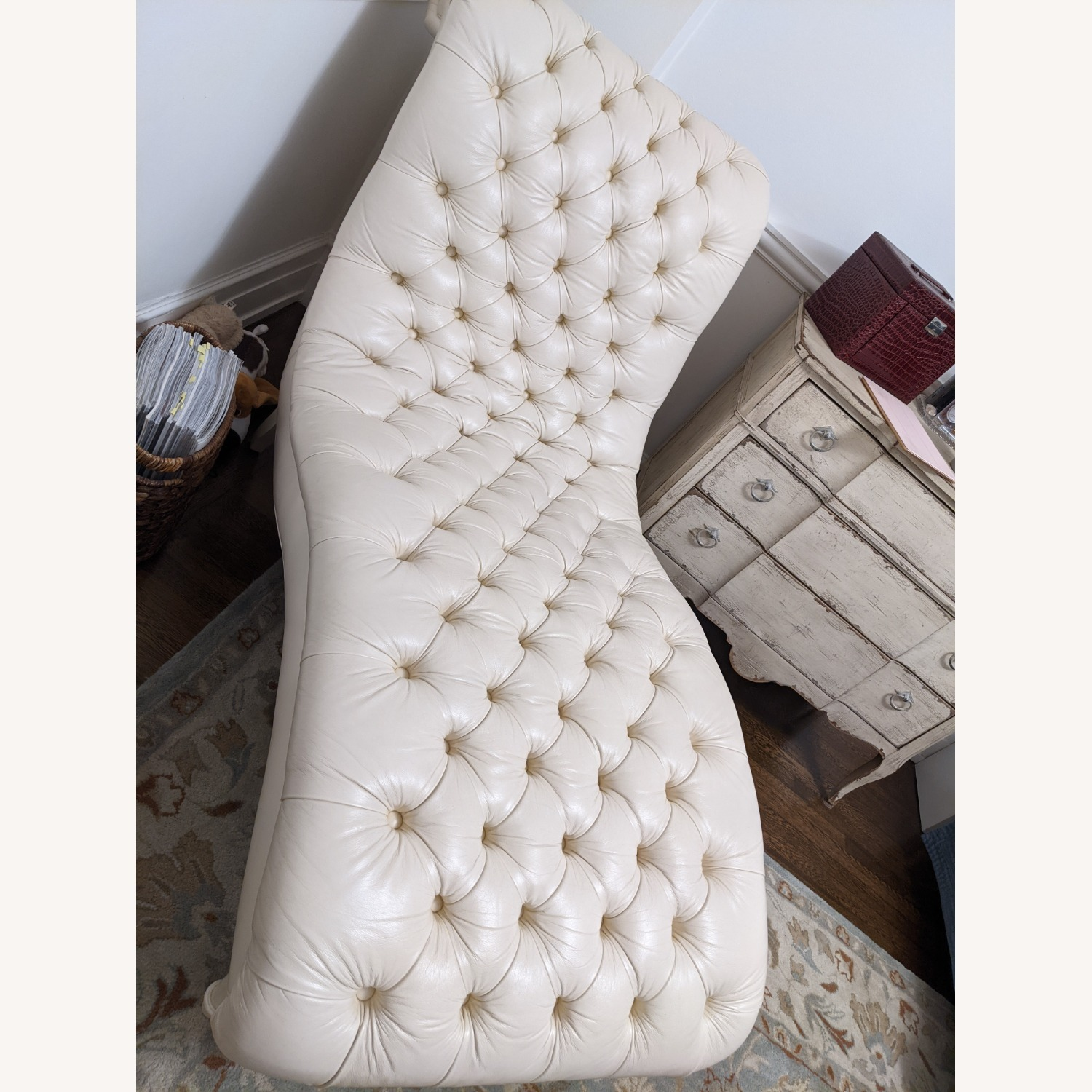 Ethan Allen Leather Chaise Long - image-2