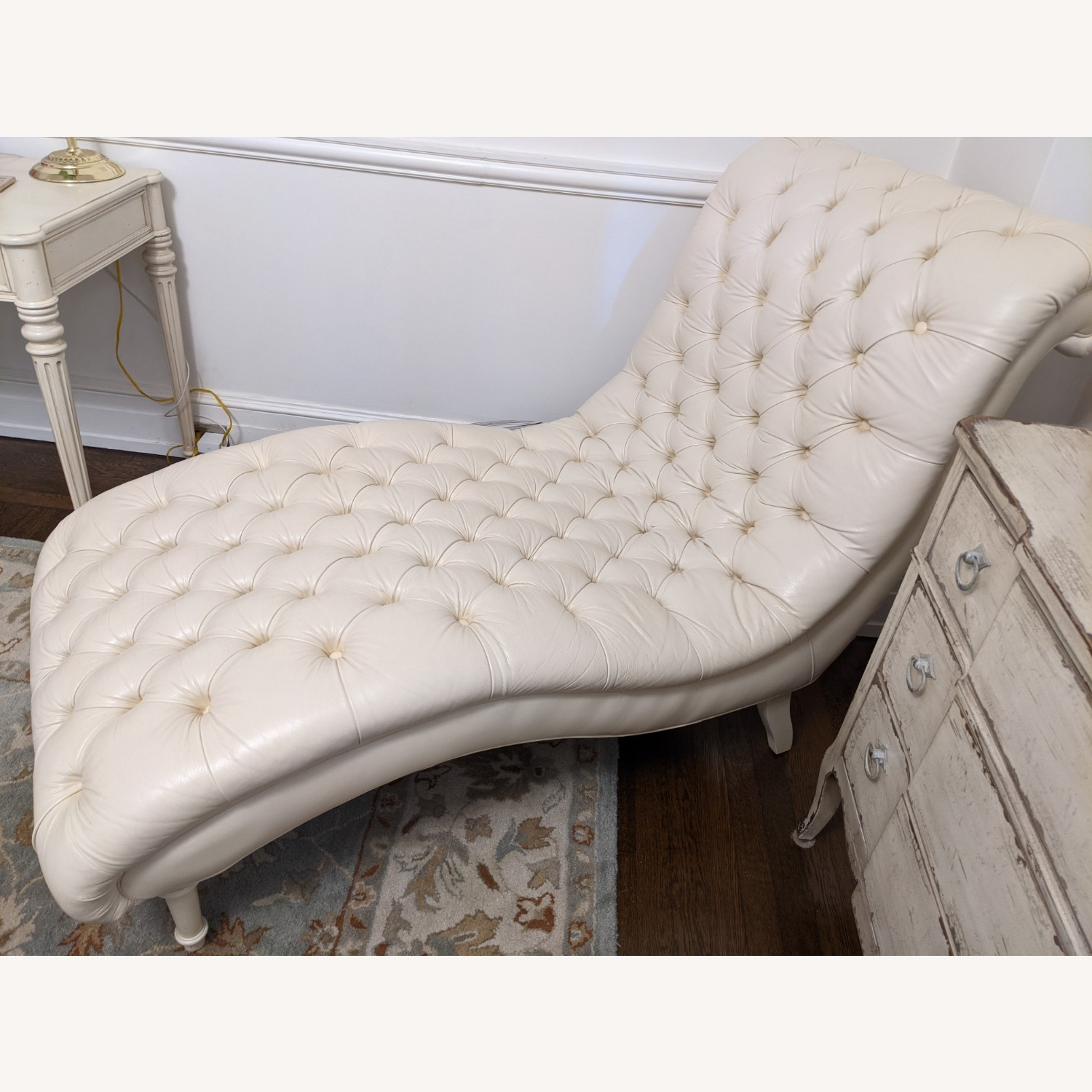 Ethan Allen Leather Chaise Long - image-5