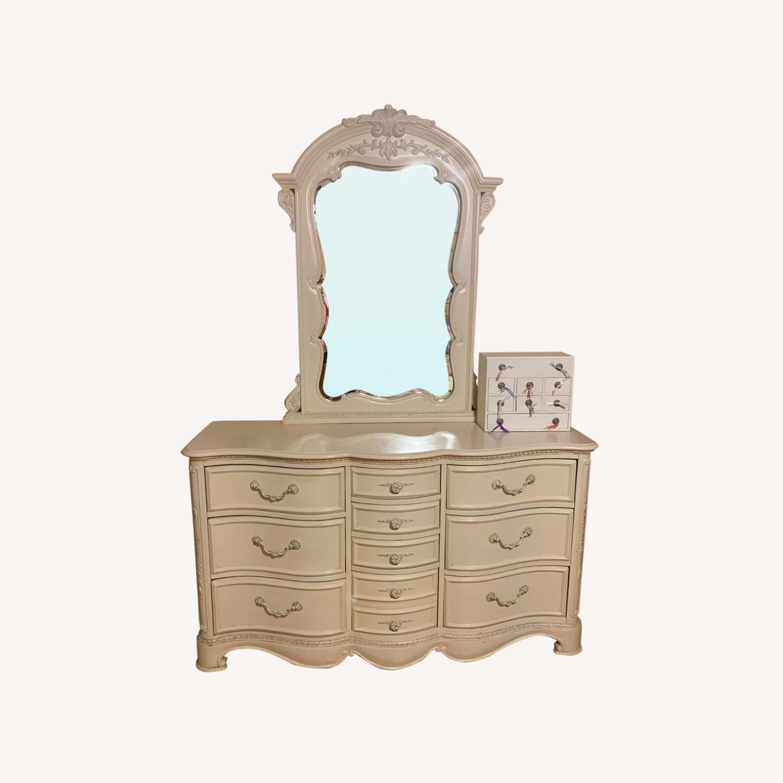 Jessica McClintock 10 Drawer w Mirror - image-0