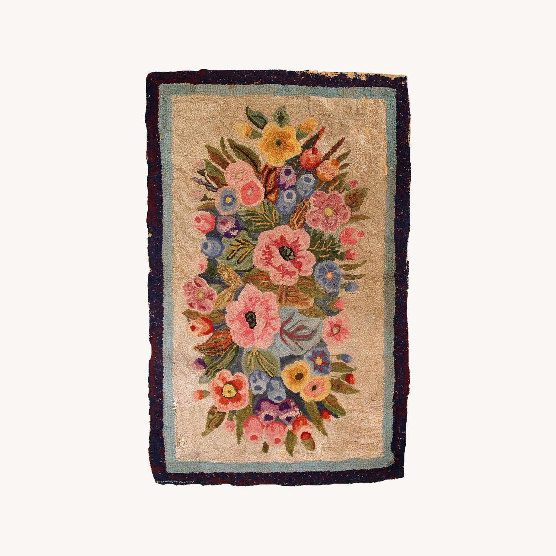 Handmade antique American hooked rug - image-0
