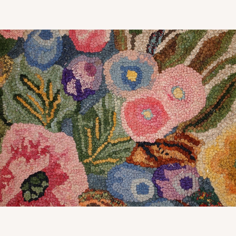 Handmade antique American hooked rug - image-3