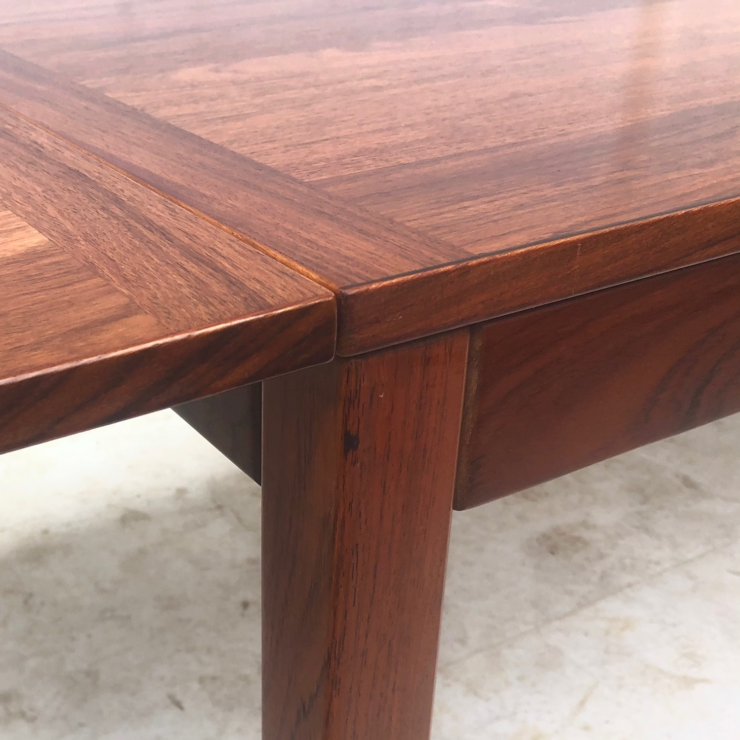 Mid-Century Rosewood Dining Table With Leaves - image-11