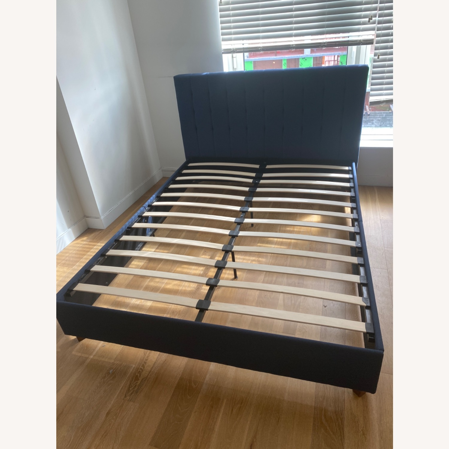 Queen Size Bed - image-4