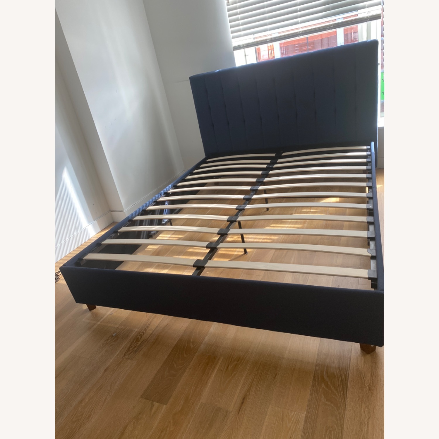 Queen Size Bed - image-2