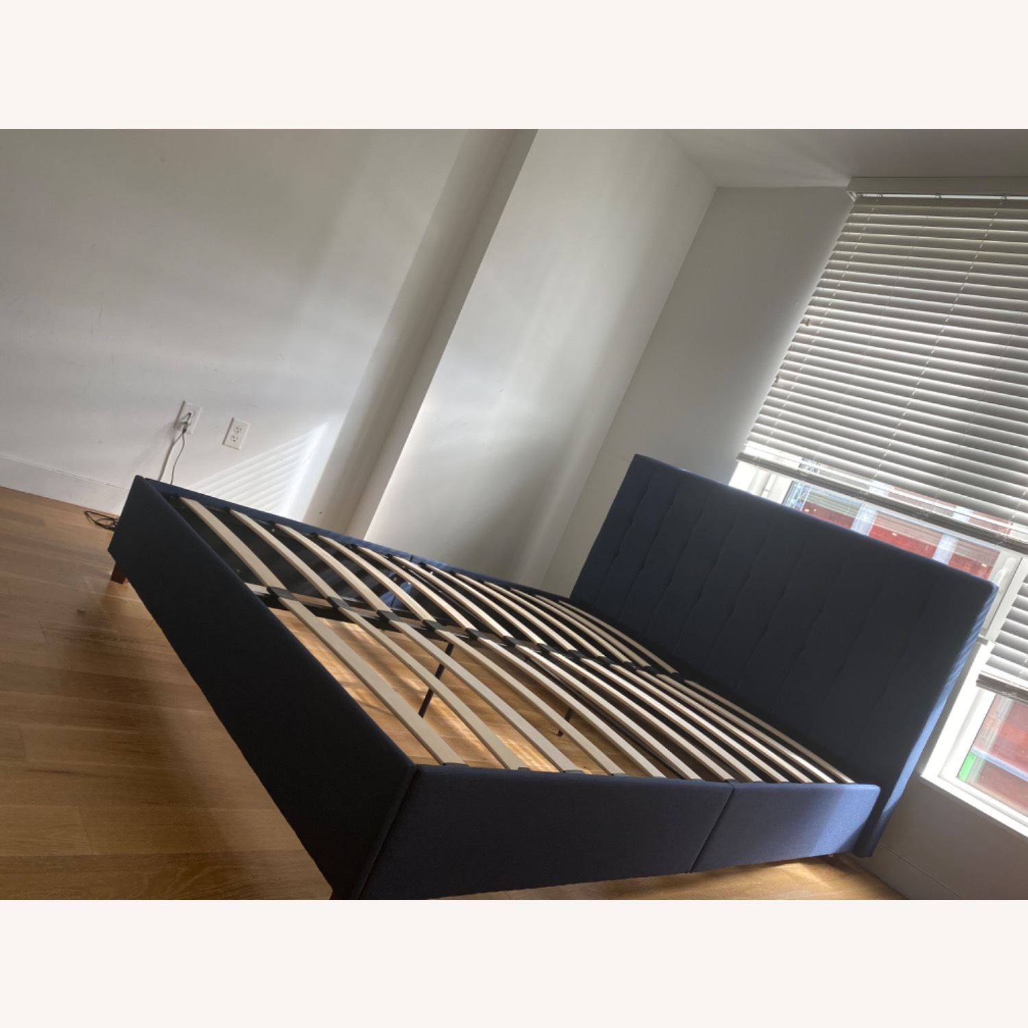 Queen Size Bed - image-3