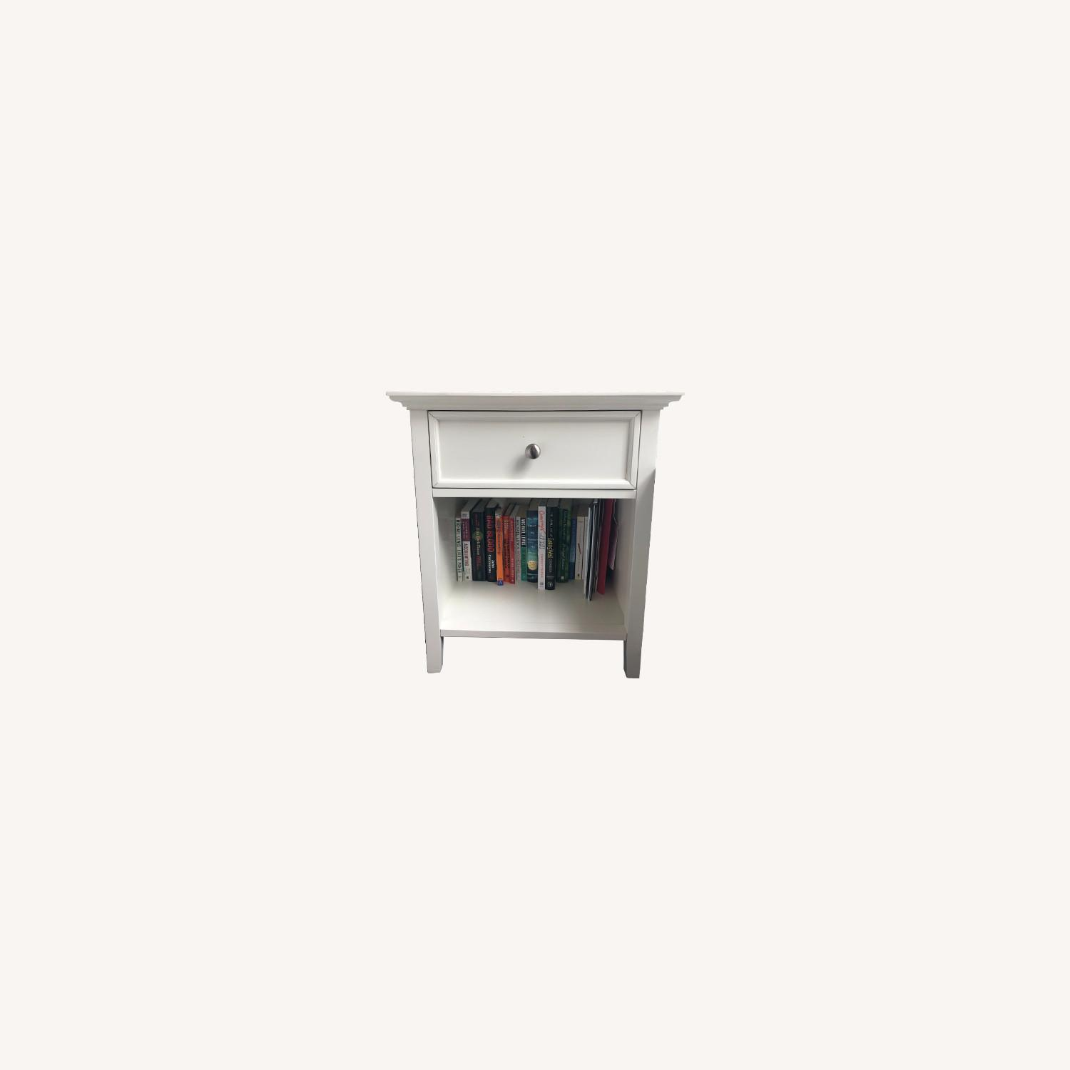 Mealey's Furniture White Wood End Table set (2) - image-0
