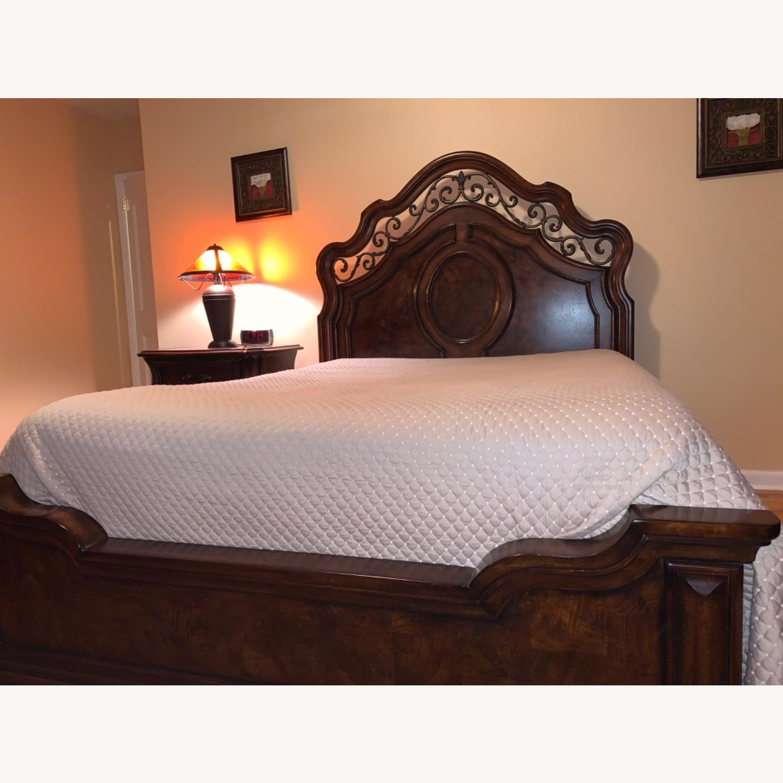 Mahogany Queen Bed - image-2