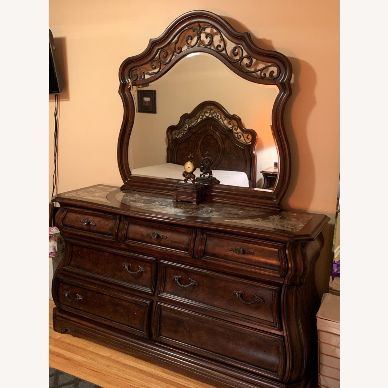 7 Drawer Dresser w/Mirror - image-3