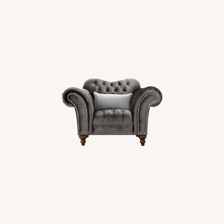 Raymour & Flanigan Duchess Chair - image-0