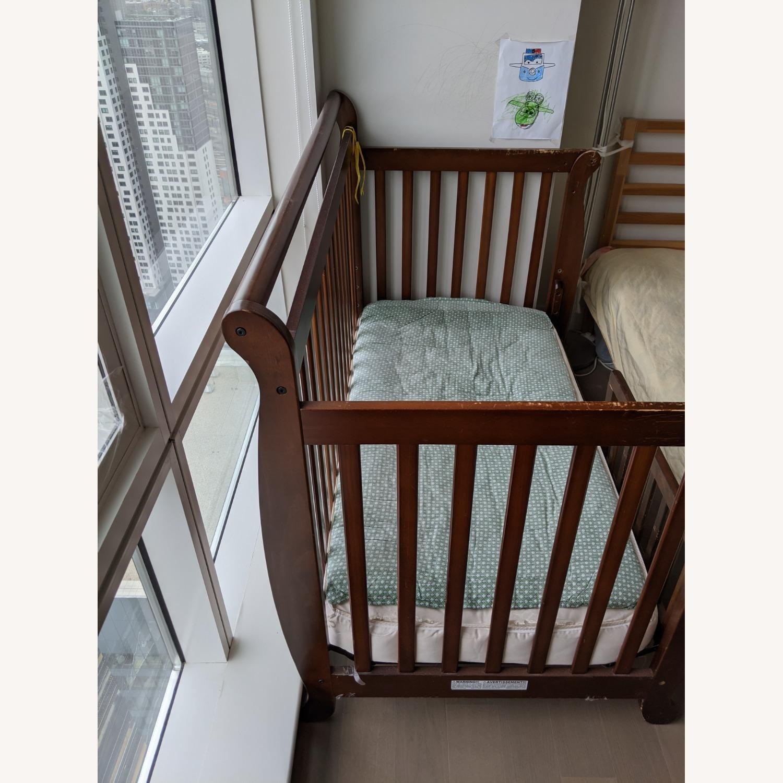 DaVinci Emily 4-in-1 Convertible Crib - image-2